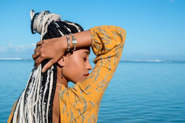 la-petite-plagiste-collection-Ibiza-bracelets-Eulalia-bleu-porté
