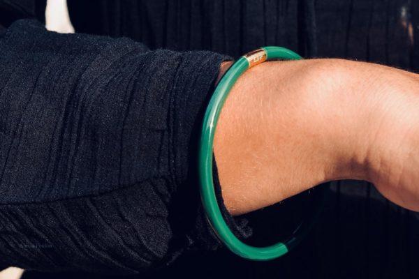 la-petite-plagiste-collection-Ibiza-bracelets-samasama-porté