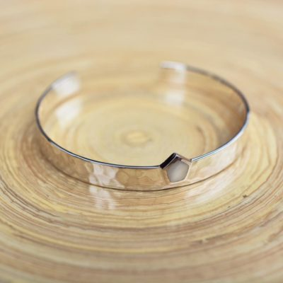 la-petite-plagiste-capsule-collection-LPPxSW-bangles-silver-mother-of-pearl