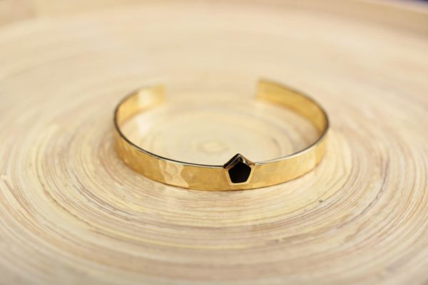 la-petite-plagiste-collection-capsule-LPPxSW-bracelets-joncsplaqué-or-onyx-noir