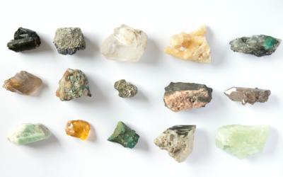 Les pierres semi-précieuses x La Petite Plagiste : une histoire de coeur et de voyages
